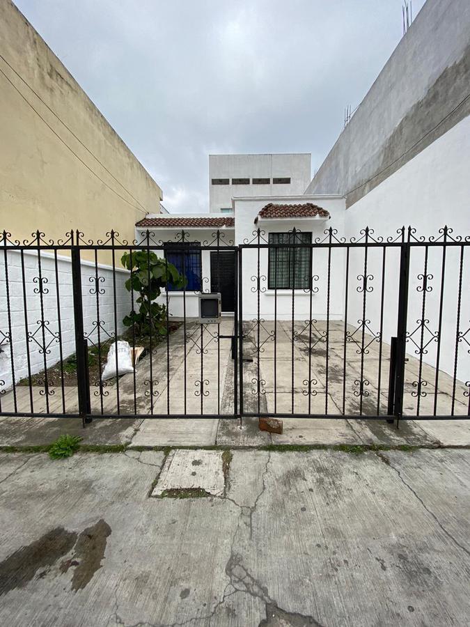Foto Casa en Venta en  Unidad habitacional Sebastián Lerdo de Tejada Indeco,  Xalapa  Casa en venta en Xalapa Veracruz sobre Av. Lazaro Cardenas de 1 nivel,  2 recamaras
