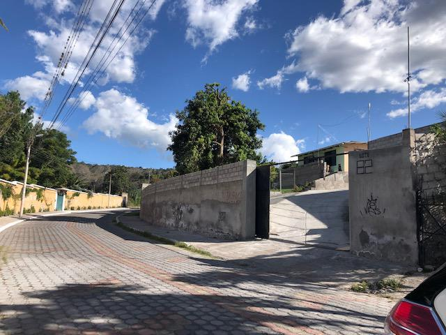 Foto Terreno en Venta en  Centro de Guayllabamba,  Guayllabamba  VENTA QUINTA CENTRO  GUAYLLABAMBA  7.506M2