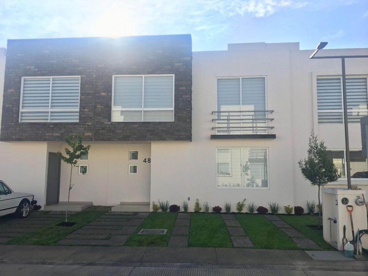 Foto Casa en condominio en Renta en  Santa María,  San Mateo Atenco  Atentli, Grafito.