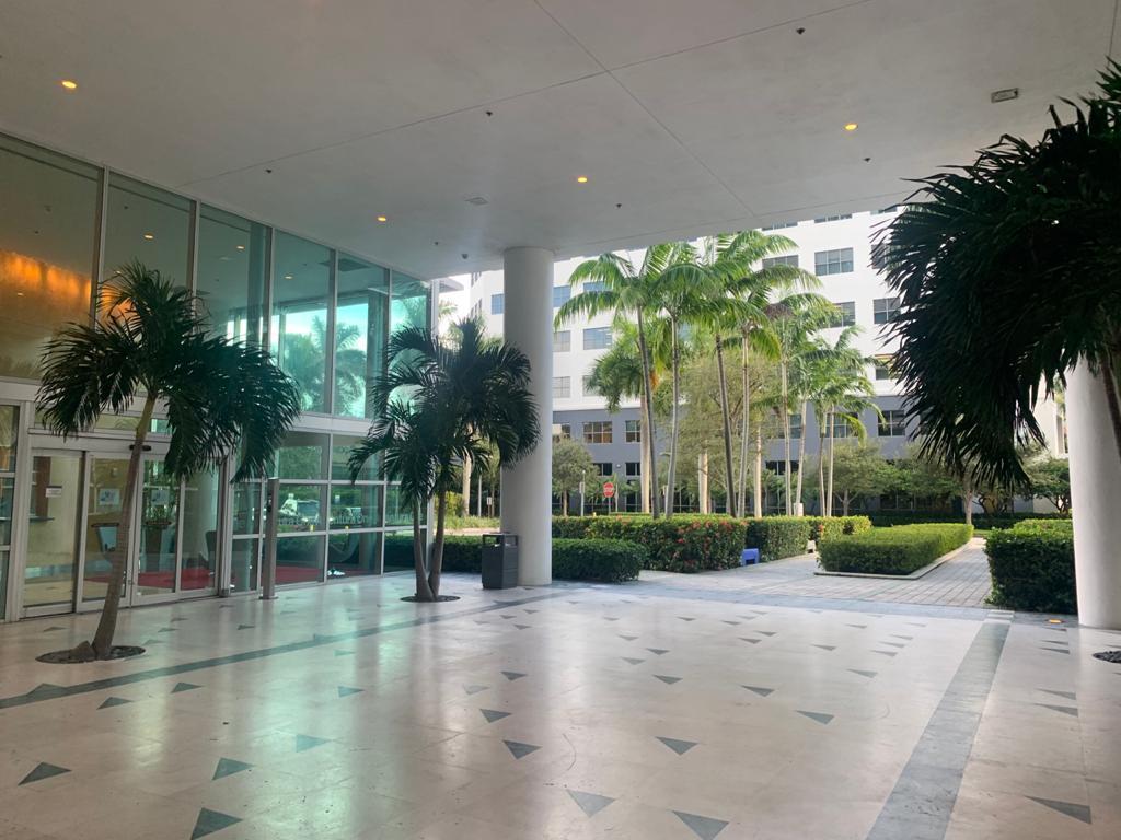 Foto Local en Venta en  Aventura,  Miami-dade  One Aventura Office Building