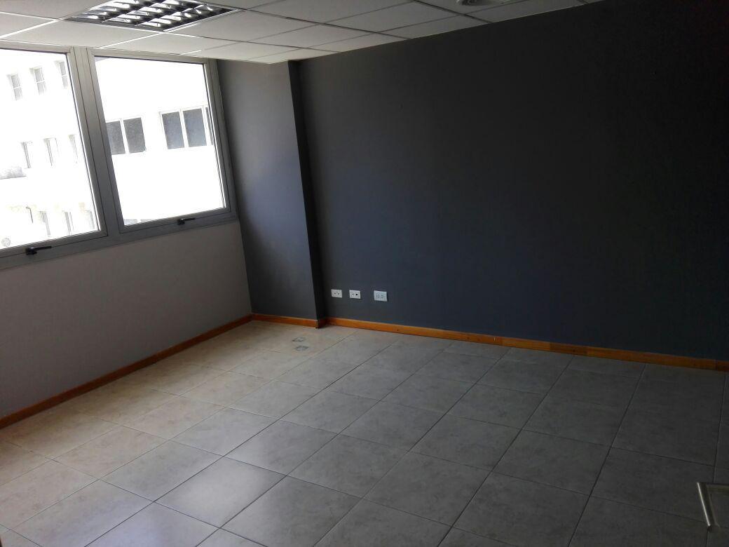 Foto Oficina en Alquiler en  Nueva Cordoba,  Capital  Av. Velez Sarfield al 500