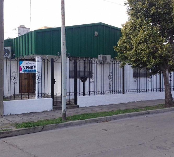 Foto Casa en Venta en  Rosedal ,  Cordoba Capital  Guillermo White  2700