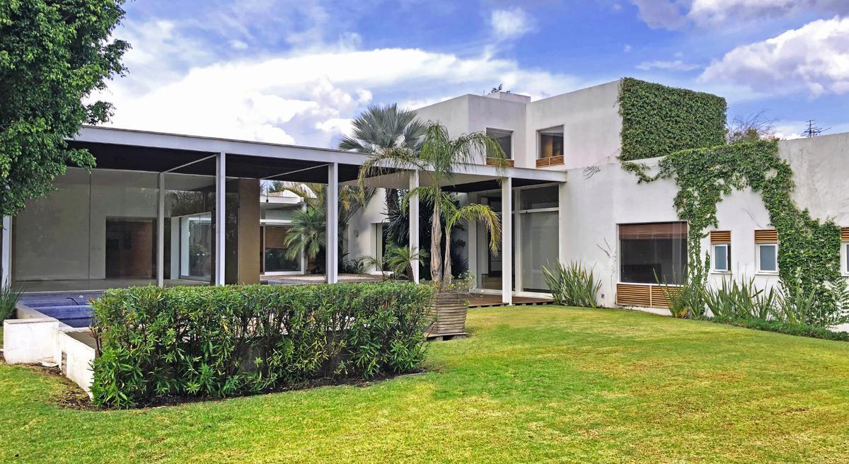 Foto Casa en Renta en  Fraccionamiento El Campanario,  Querétaro  Residencia En Renta De Una Planta  Con Alberca.