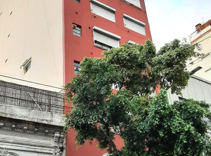 Foto Departamento en Venta en  Balvanera ,  Capital Federal  Presidente Juan Domingo Peron 2000**,24m2,precio ppr m2 2.020,83