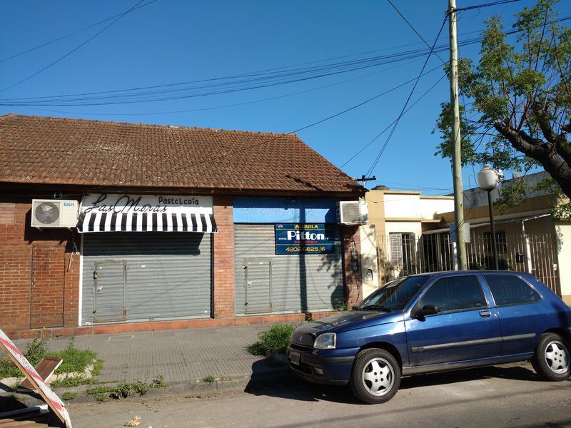 Foto Local en Alquiler en  Banfield Este,  Banfield  Arenales 1412