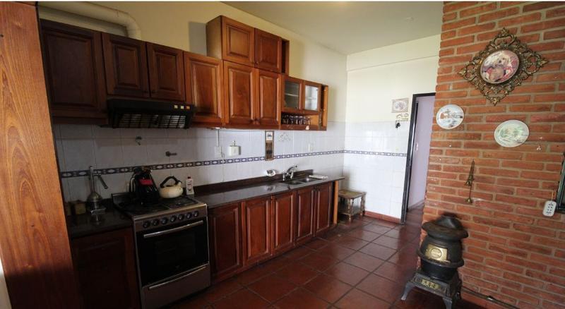 Foto Casa en Venta en  Haedo,  Moron  Juan Bautista Alberdi al 600