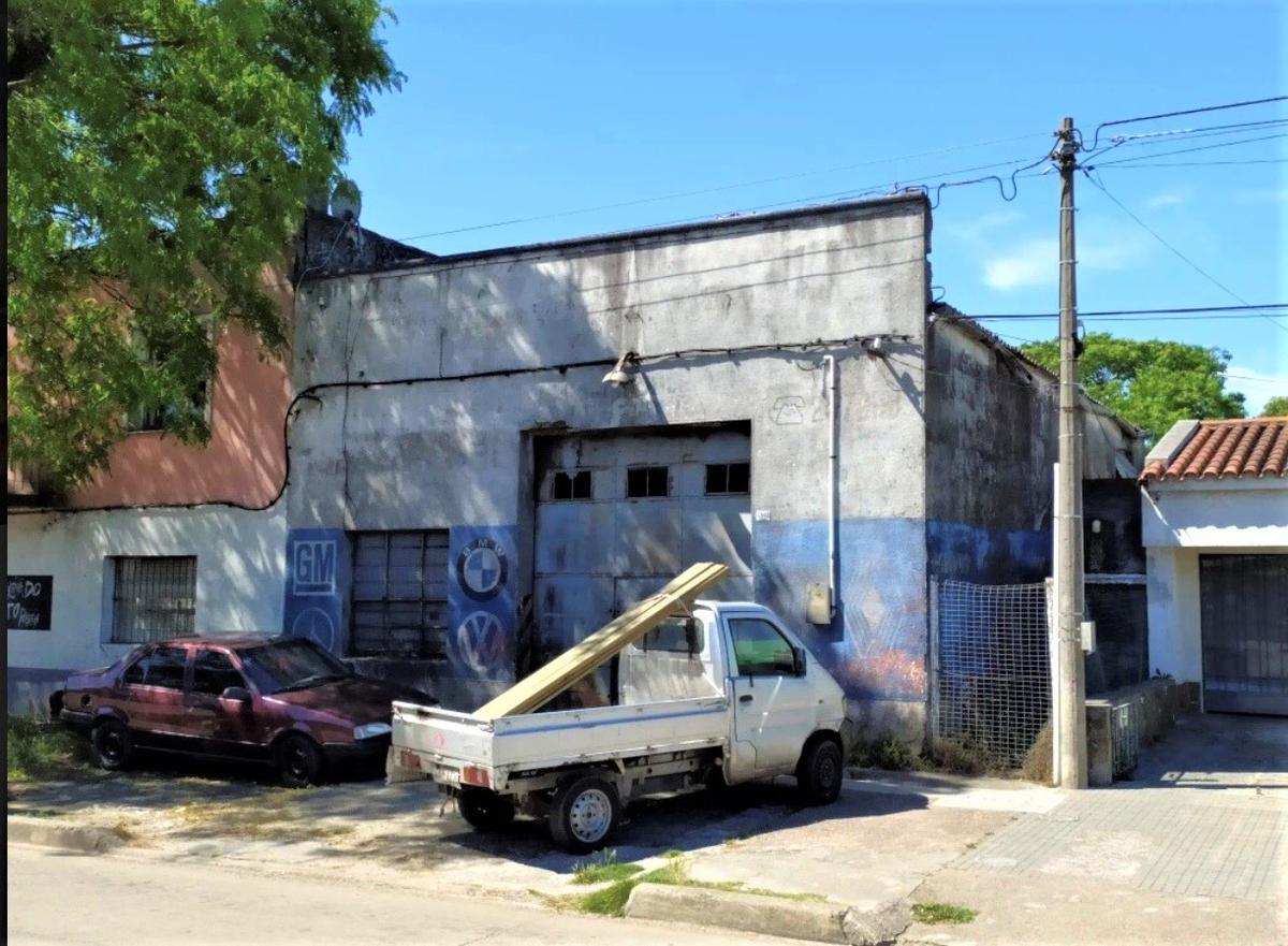 Foto Local en Venta en  Las Acacias ,  Montevideo  Itucambú