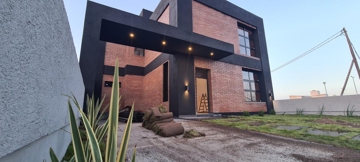 Foto Casa en Venta |  en  Docta,  Cordoba Capital  Casa a la venta en Docta Urbanización 1ª Etapa, 3 dormitorios