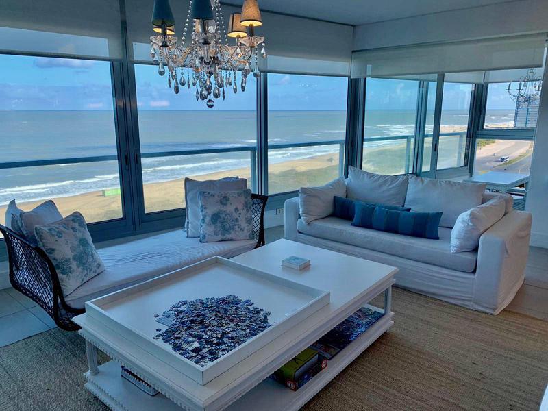 Foto Departamento en Venta en  Playa Brava,  Punta del Este  Apartamento en Le Parc  1 esquinero con Espectacular vista a la Playa Brava
