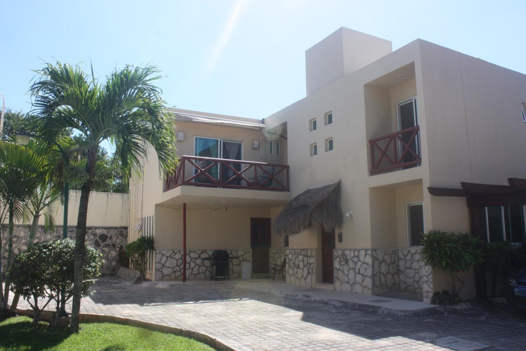 Foto Casa en condominio en Venta en  Doctores II,  Cancún  Calle Carlos Salinas  lote 04  MZ  300