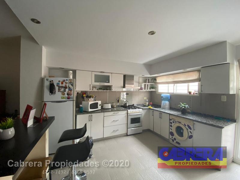 Foto Casa en Venta en  Lomas de Zamora Este,  Lomas De Zamora  LAMADRID 262