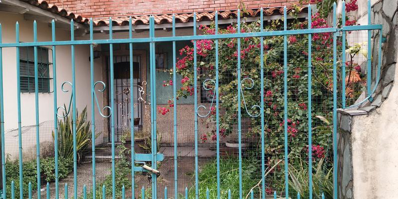Foto Casa en Venta en  Valentin Alsina,  Lanus  Itapiru al 800