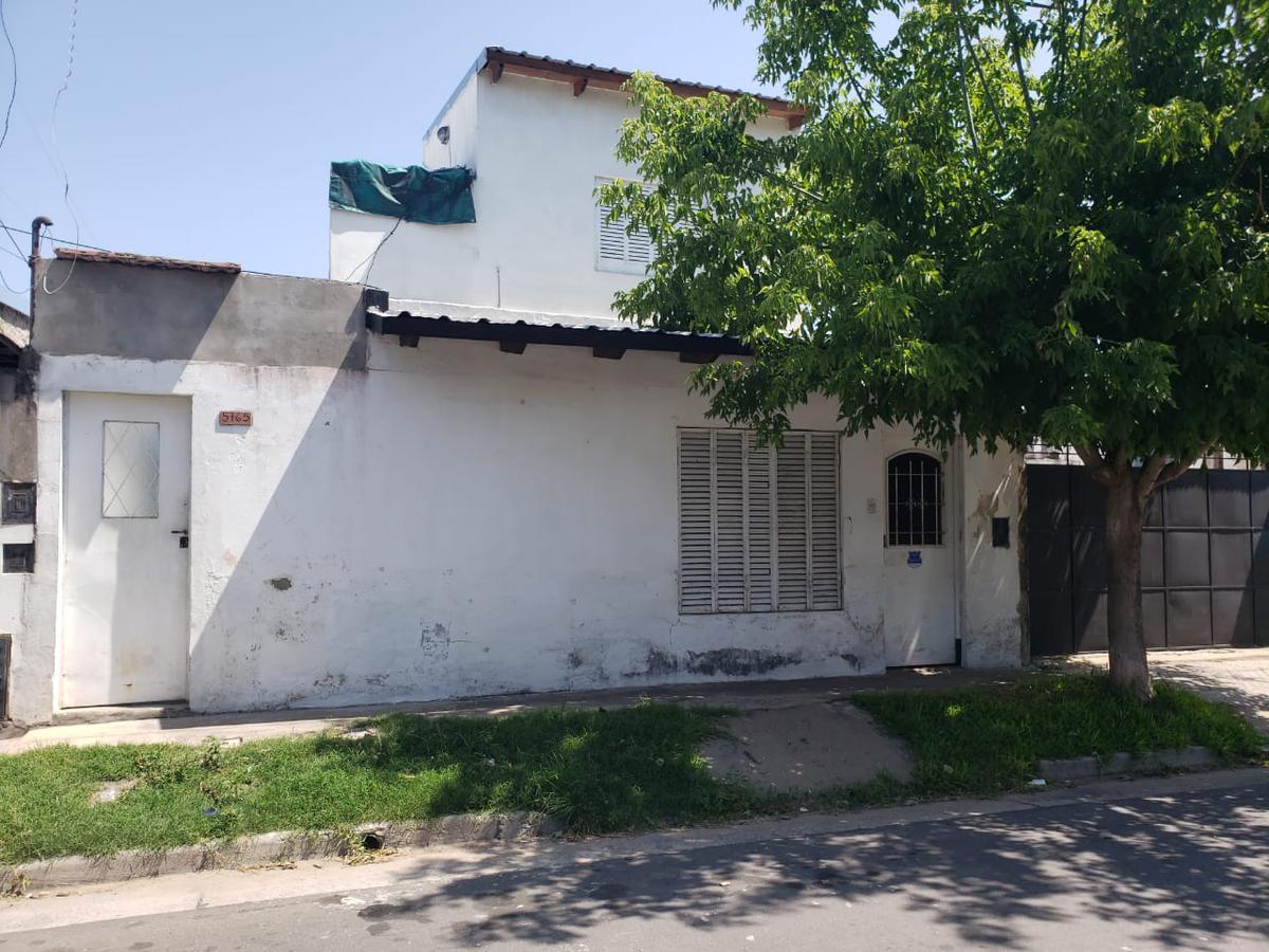 Foto Casa en Alquiler en  Azcuenaga,  Rosario  PJE. SAUCE al 5700