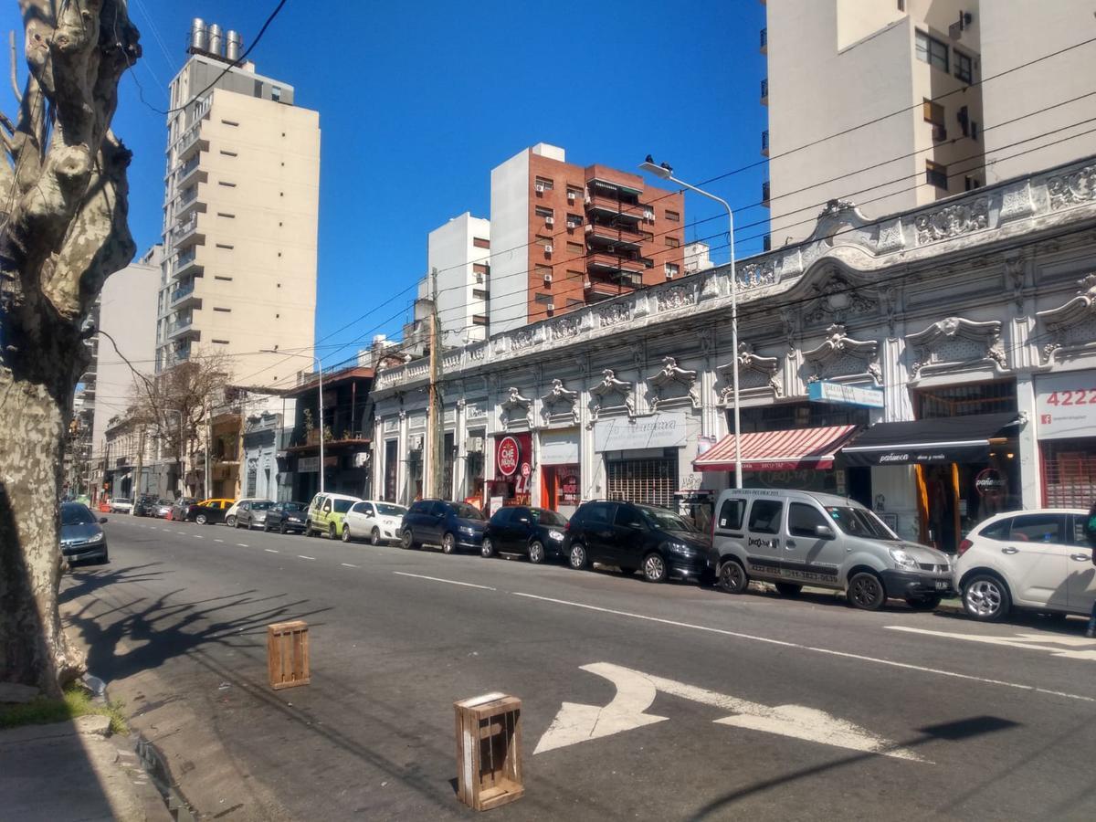 Foto Local en Venta en  Avellaneda ,  G.B.A. Zona Sur  Ameghino  esquina 25 de Mayo