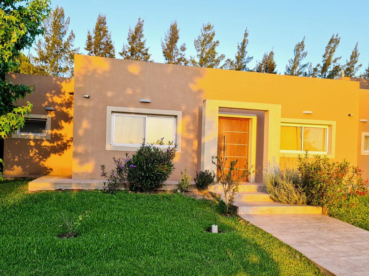 Foto Casa en Venta en  La Codorniz,  Exaltacion De La Cruz  Hermosa casa de 3 dorm en La Codorniz de Los Cardales
