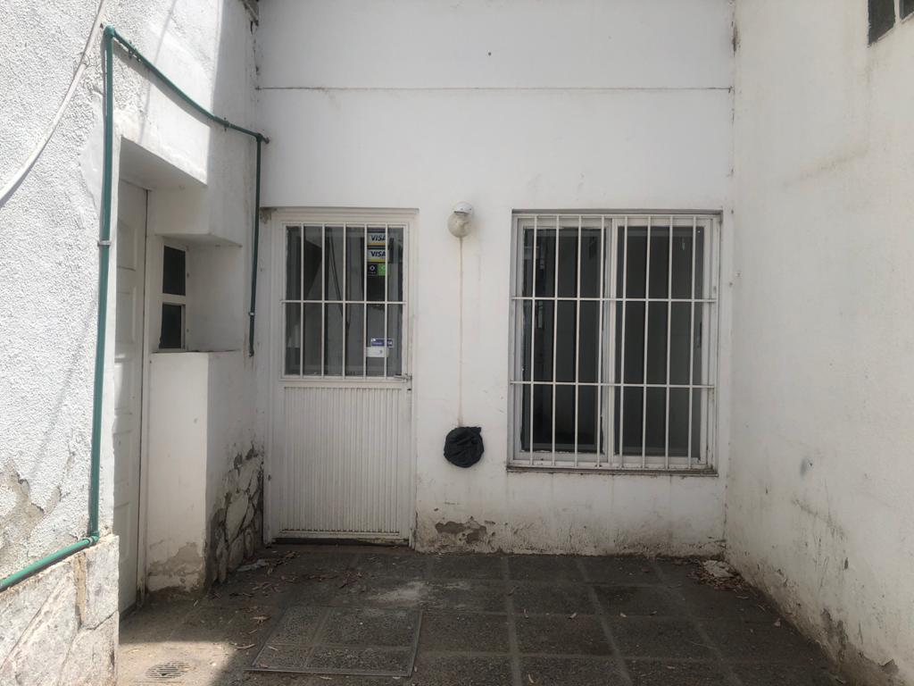 Foto Local en Alquiler en  Neuquen,  Confluencia  Santa Fe al 100, Neuquen