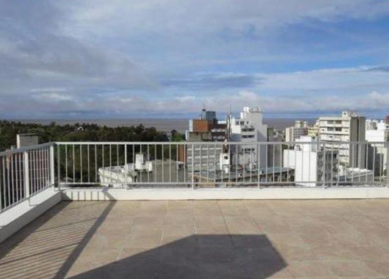 Foto Departamento en Venta en  Pocitos ,  Montevideo   Excelente monoambiente al frente,   CON RENTA