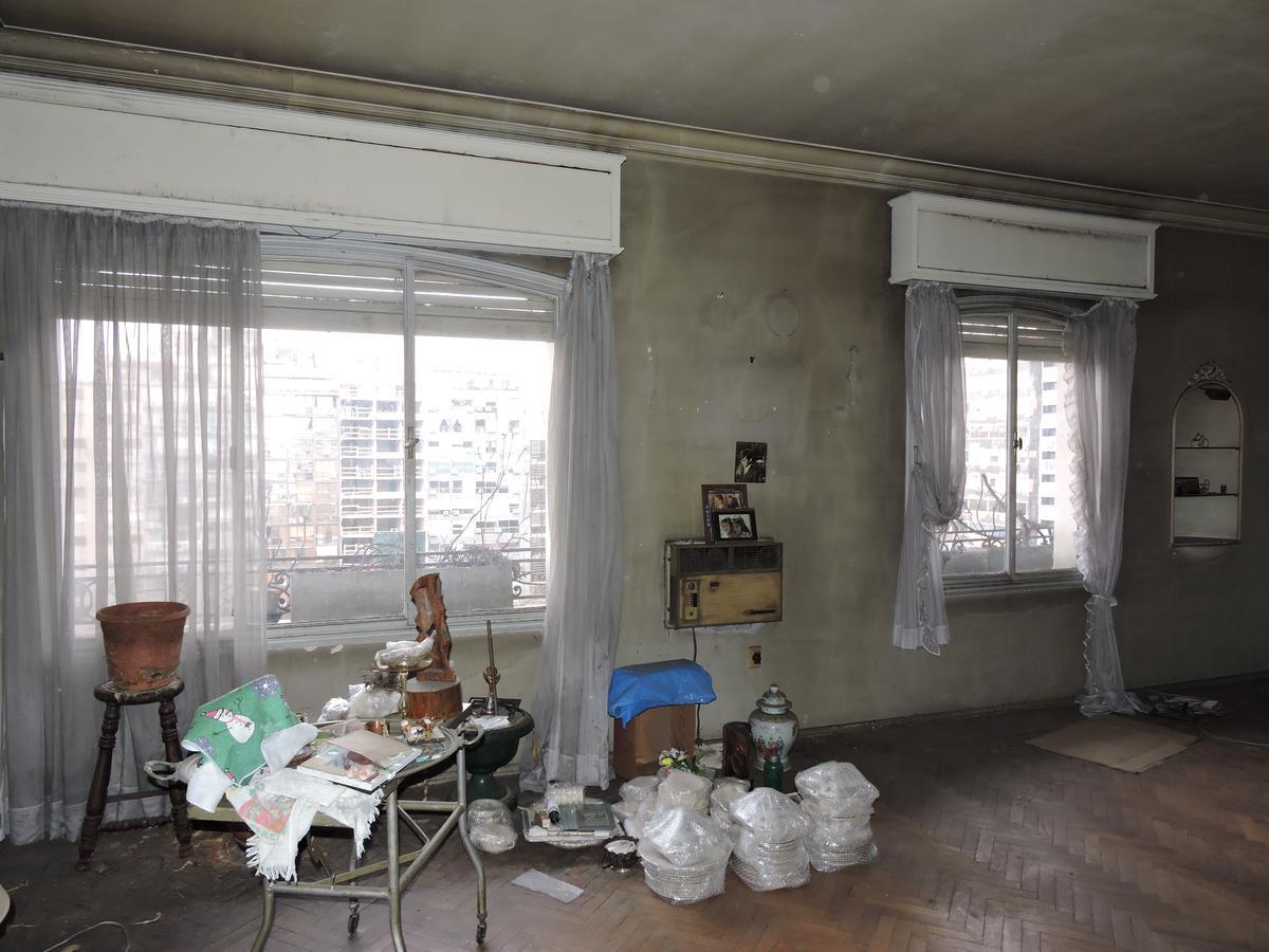 Foto Apartamento en Venta en  Centro (Montevideo),  Montevideo  Amplio apartamento 5 dormitorios 4 baños - Julio Herrara y Obes y 18