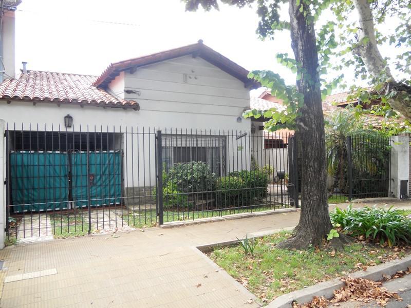 Foto Casa en Venta en  V.Ade.-P.Cisneros,  Villa Adelina  Rioja al 1700