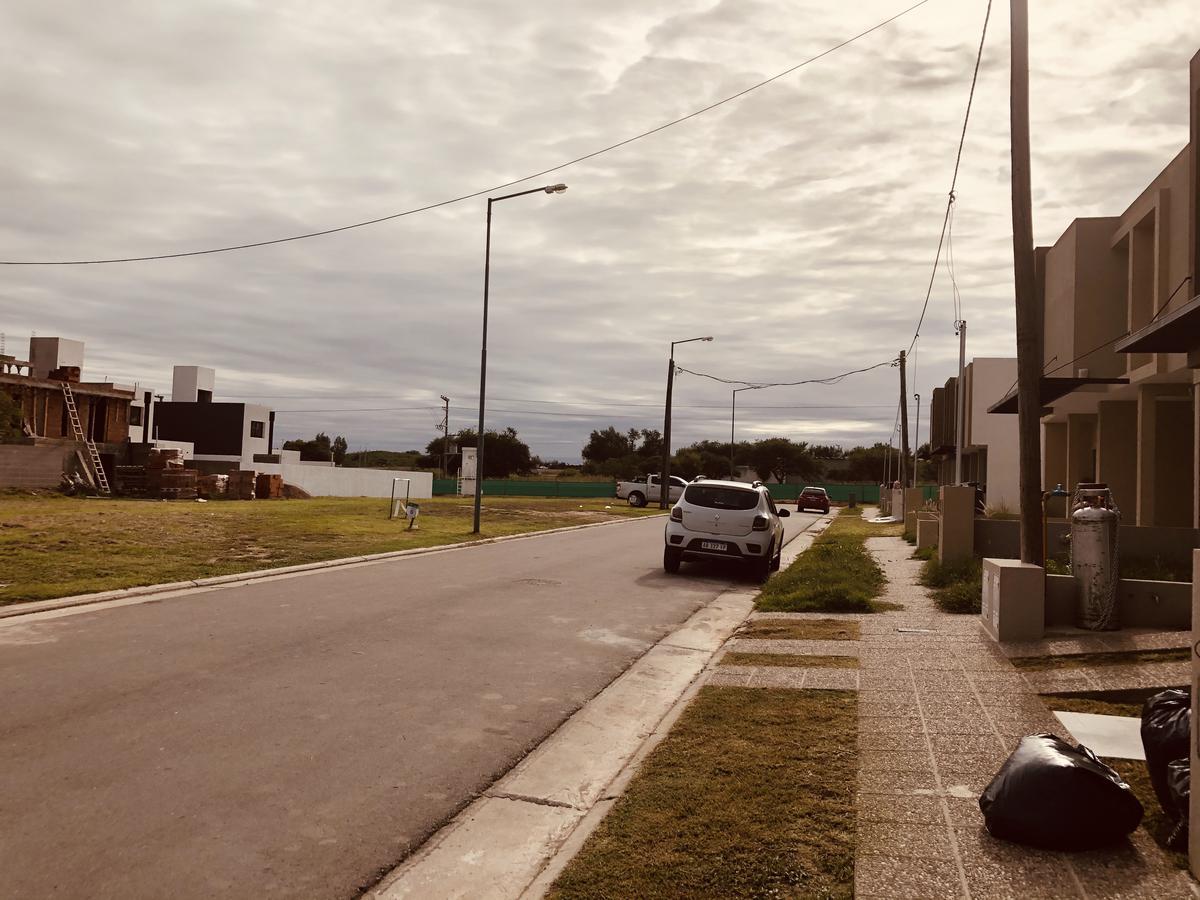 Foto Casa en Venta en  Manantiales ,  Cordoba Capital  Manantiales Miradores 2