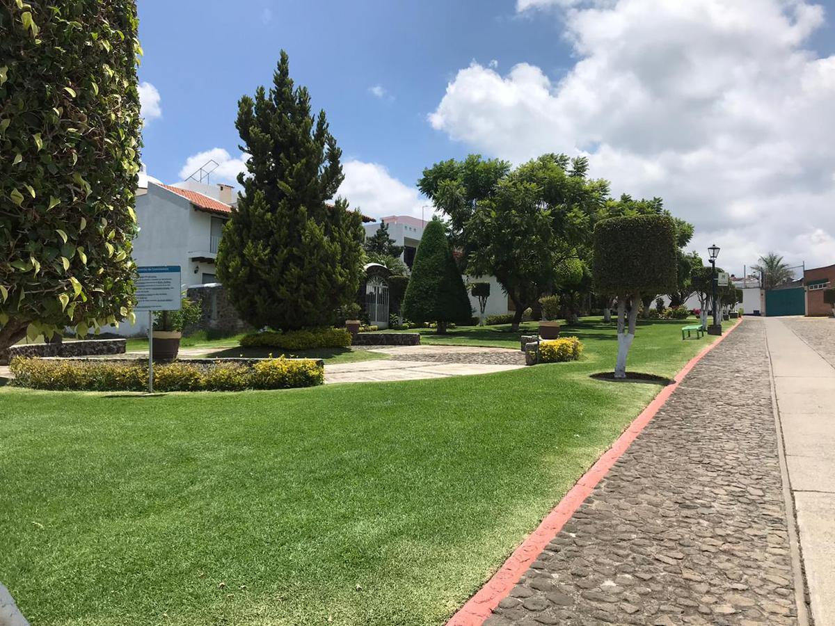 Foto Casa en Venta en  Fraccionamiento Loma Bonita,  Cuernavaca  Casa en venta Fraccionamiento Loma Bonita seguridad