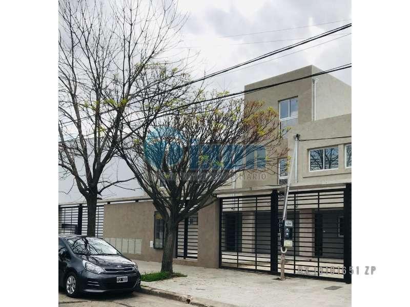 Foto Casa en Venta en  Olivos,  Vicente Lopez  Cmte. PIEDRABUENA al 3600