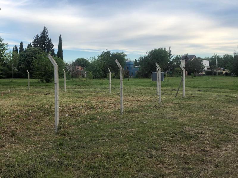 Foto Terreno en Venta en  Villa Elisa,  La Plata  408 y 10