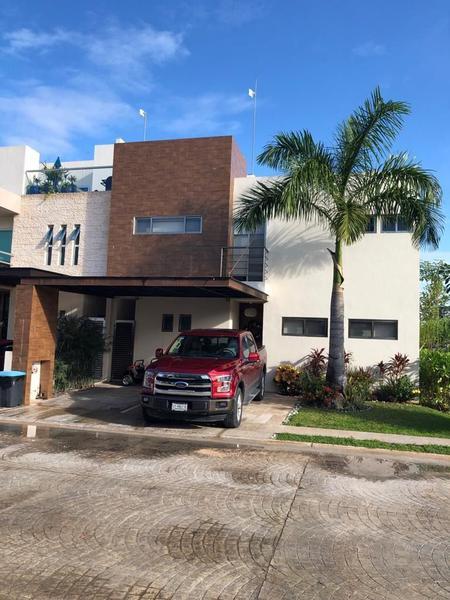 Foto Casa en Venta en  Supermanzana 310,  Cancún  CASA EN VENTA EN CANCUN EN RESIDENCIAL AQUA