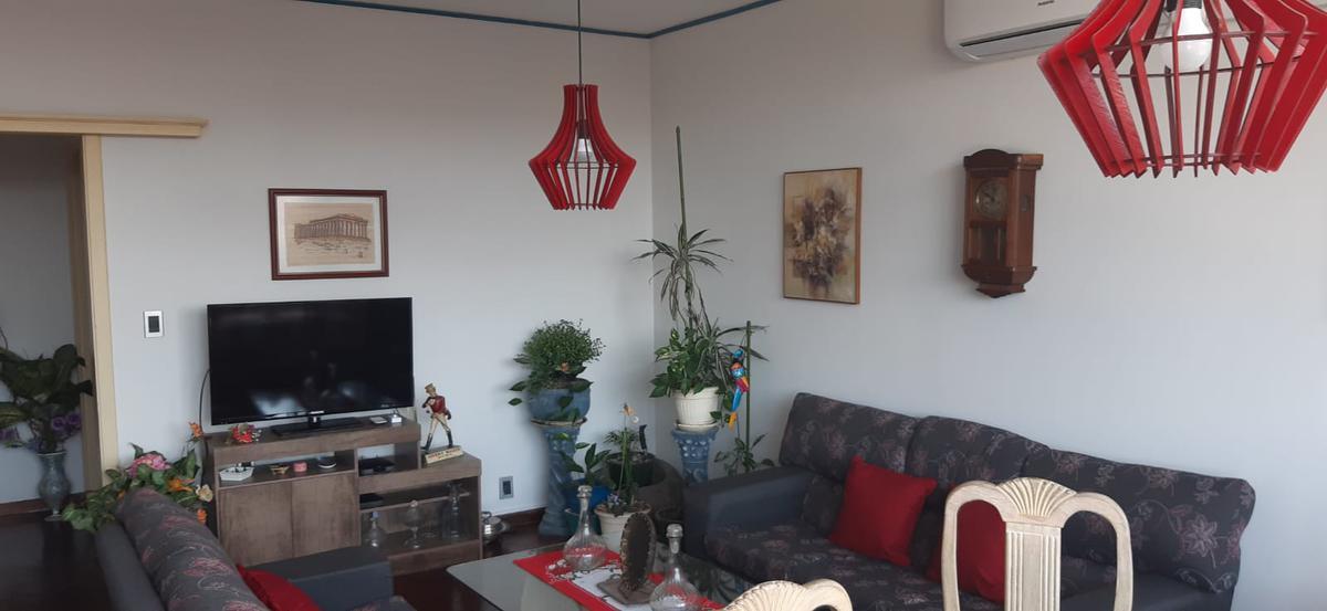 Foto Apartamento en Venta en  Centro (Montevideo),  Montevideo  Av. Libertador al 1700