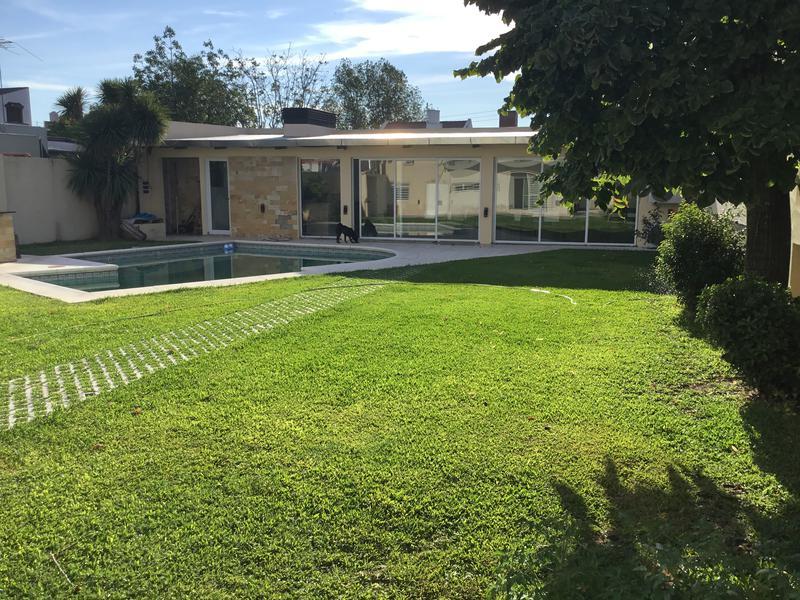 Foto Casa en Venta en  Banfield Oeste,  Banfield  JOSE M. PENA 1260  e. Grigera y Larroque