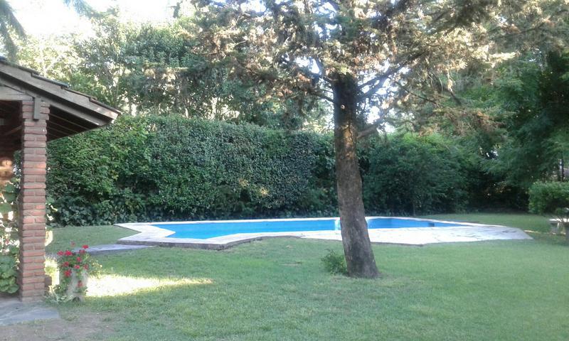 Foto Casa en Alquiler temporario en  Barrio Parque Leloir,  Ituzaingo  de la Huella al 3200
