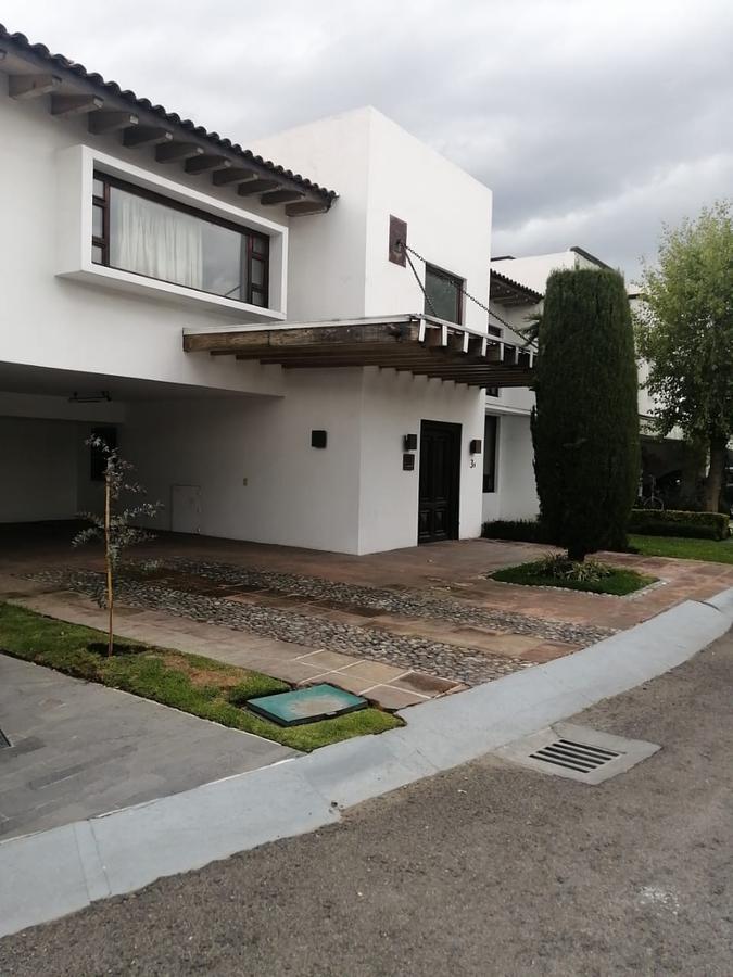 Foto Casa en condominio en Venta   Renta en  Balmoral,  Metepec  Venta de Casa en AV. LEONA VICARIO FRACCIONAMIENTO BALMORAL