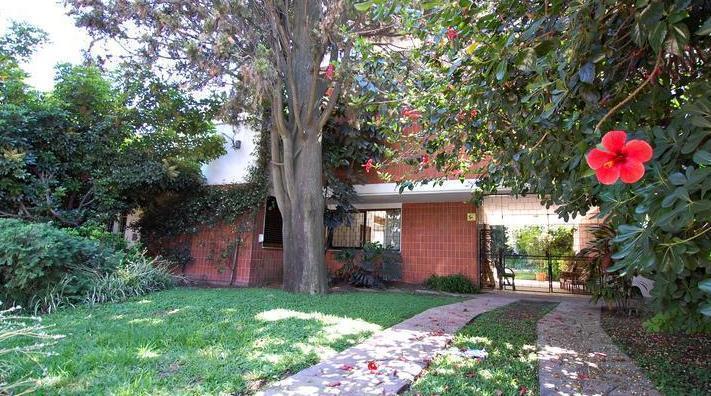 Foto Casa en Venta en  Barrio Vicente López,  Vicente López  Monasterio 400