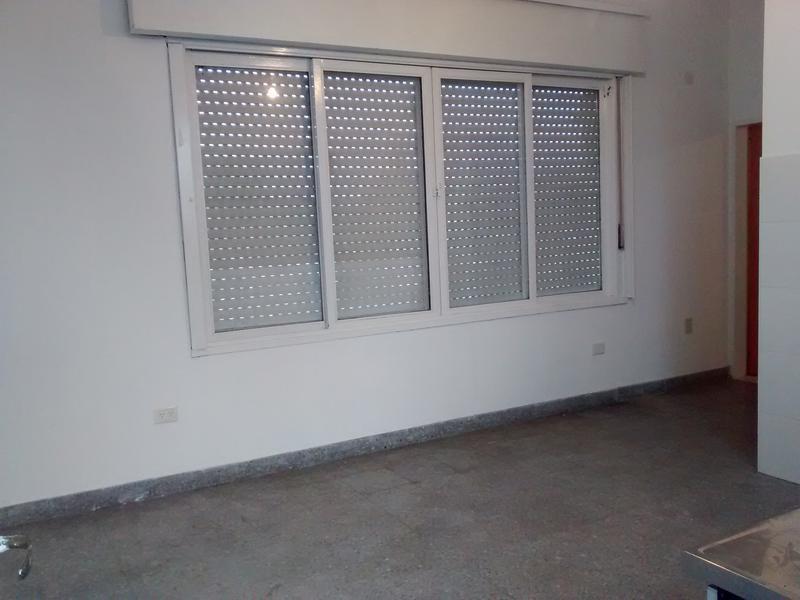 Foto Departamento en Alquiler en  Moron Sur,  Moron  Acha al 300