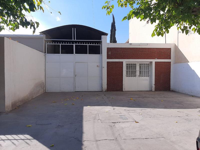 Foto Galpón en Alquiler en  Capital ,  San Juan  Maipu entre Jujuy y Aberastain