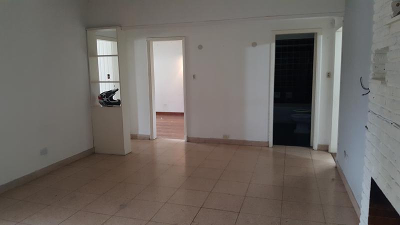 Foto Casa en Alquiler en  Lomas de Zamora Oeste,  Lomas De Zamora  POSADAS al 800