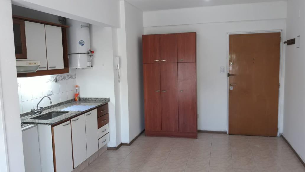 Foto Departamento en Alquiler en  Ramos Mejia,  La Matanza  Av. Rivadavia 13.390 6º J