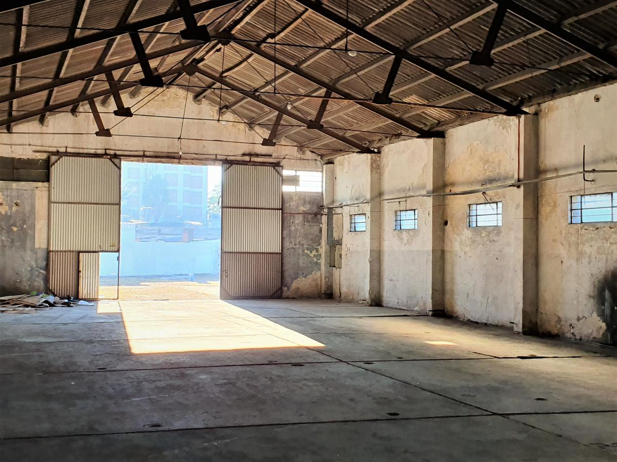Foto Local en Alquiler en  Unión ,  Montevideo  AVELLANEDA 4300