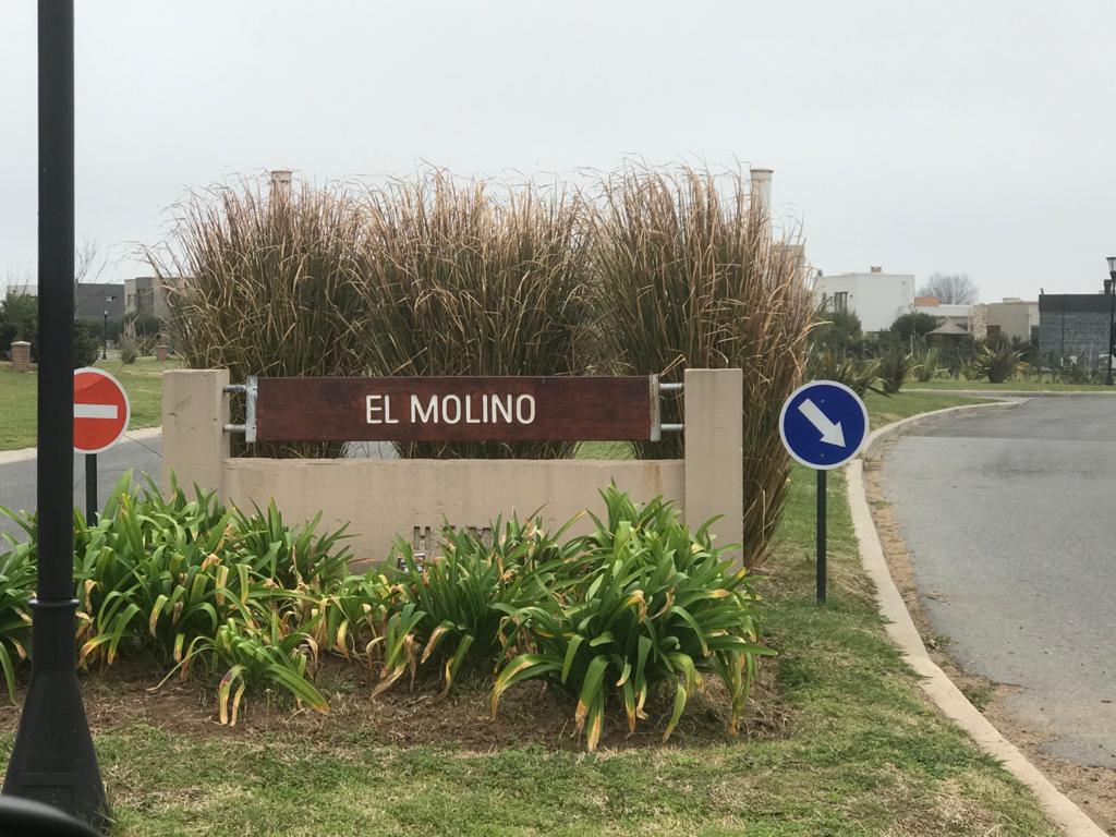 Foto Terreno en Venta en  El Molino Sur,  Haras Santa Maria  Barrio Haras Santa María - Lote en el  Molino Sur