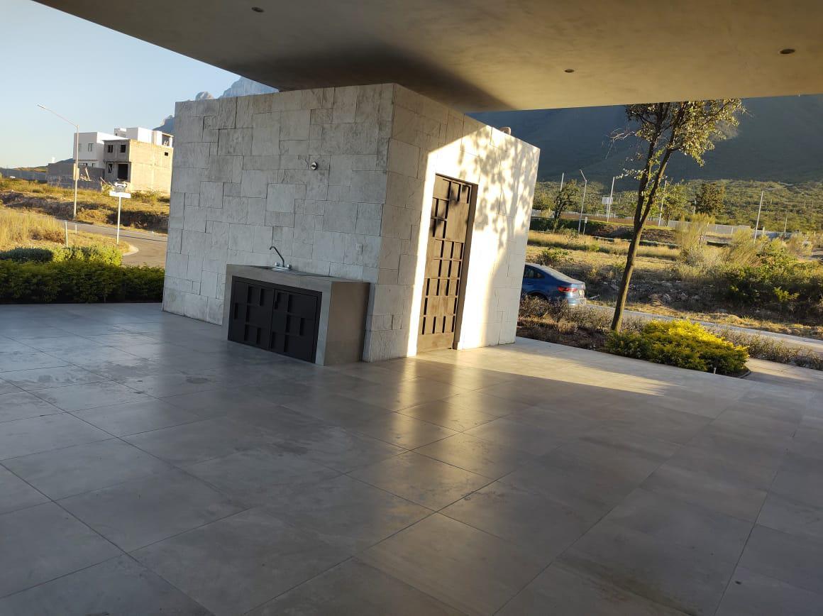 Foto Casa en Venta en  Santoral,  García  La Montaña Residencial
