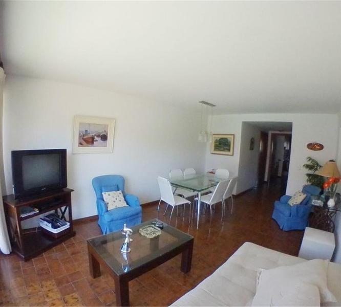 Foto Departamento en Venta | Alquiler en  Punta del Este ,  Maldonado  Santiago De Chile Y Rambla Williman  100 2°