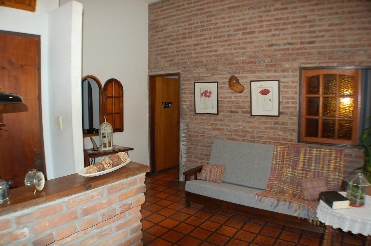 Foto Casa en Venta en  San Andres,  General San Martin  Intendente Casares al 2800