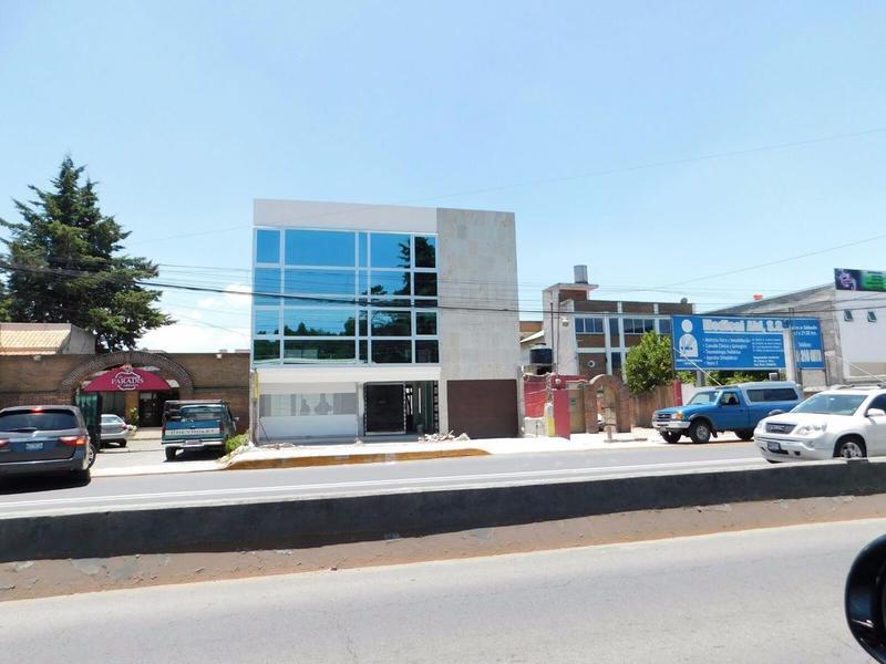 Foto Edificio Comercial en Renta en  Llano Grande,  Metepec  VENTA O  RENTA DE  EDIFICIO CORPORATIVO SOBRE AVENIDA PRINCIPAL EN METEPEC
