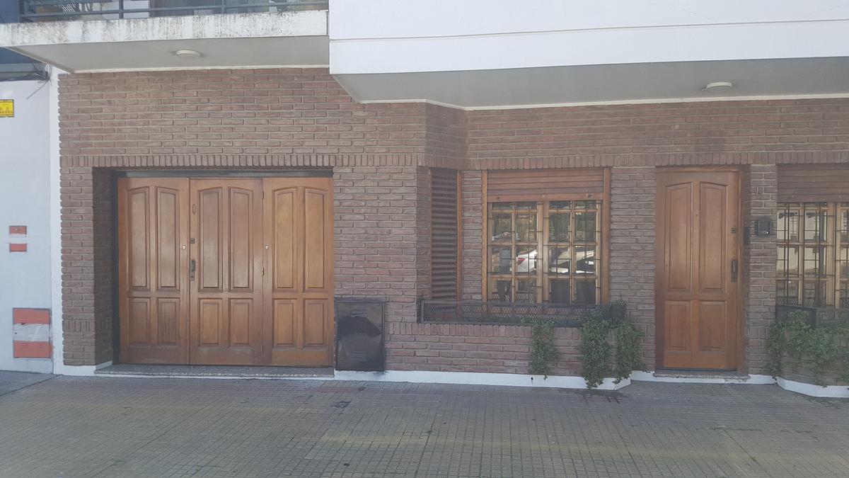 Foto Casa en Venta en  La Plata,  La Plata  Calle 20 e/ 32 y 33