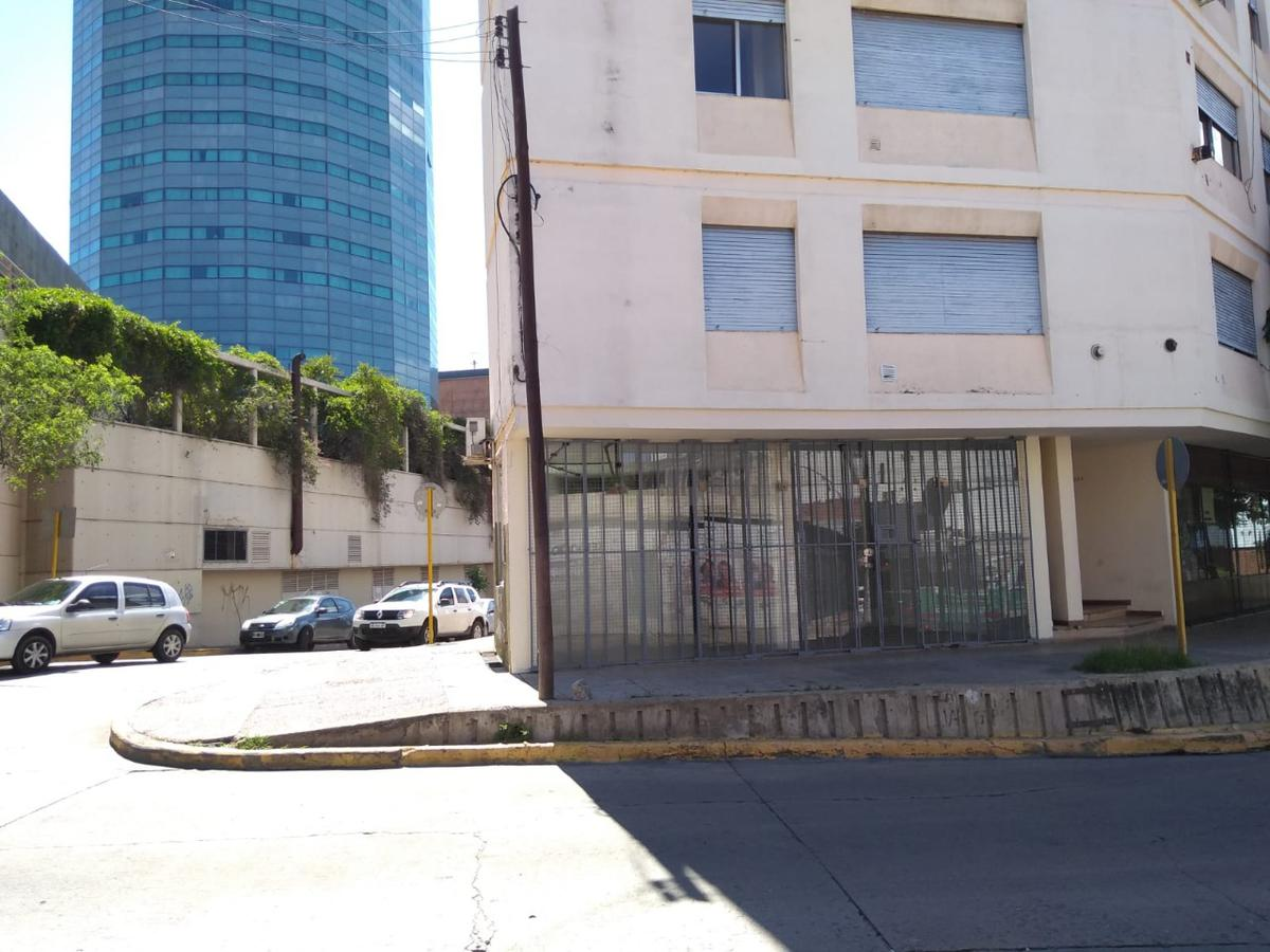 Foto Local en Alquiler en  Alberdi,  Cordoba  Local a mts del Nuevocentro
