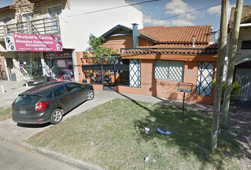 Foto Oficina en Venta en  Ituzaingó ,  G.B.A. Zona Oeste  Av. Ratti al 700