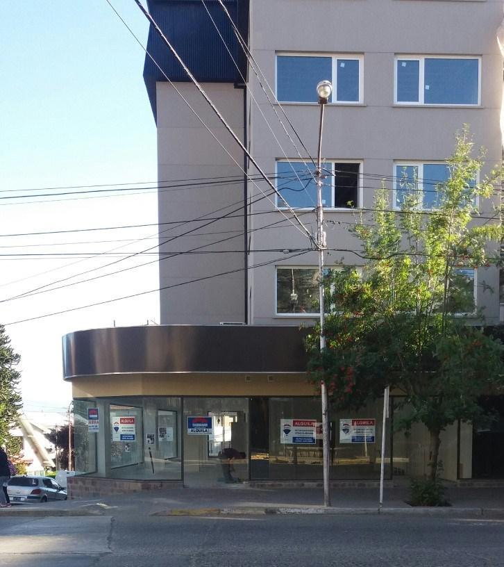 Foto Local en Alquiler en  Bariloche ,  Rio Negro  San Martín y Libertad Local No 6