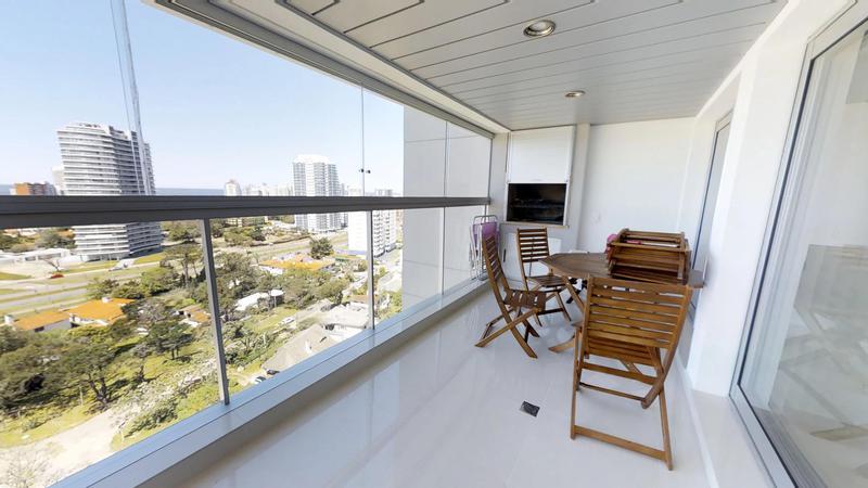 Foto Departamento en Venta en  Playa Mansa,  Punta del Este  Espectacular Apartamento en MIAMI BVRD