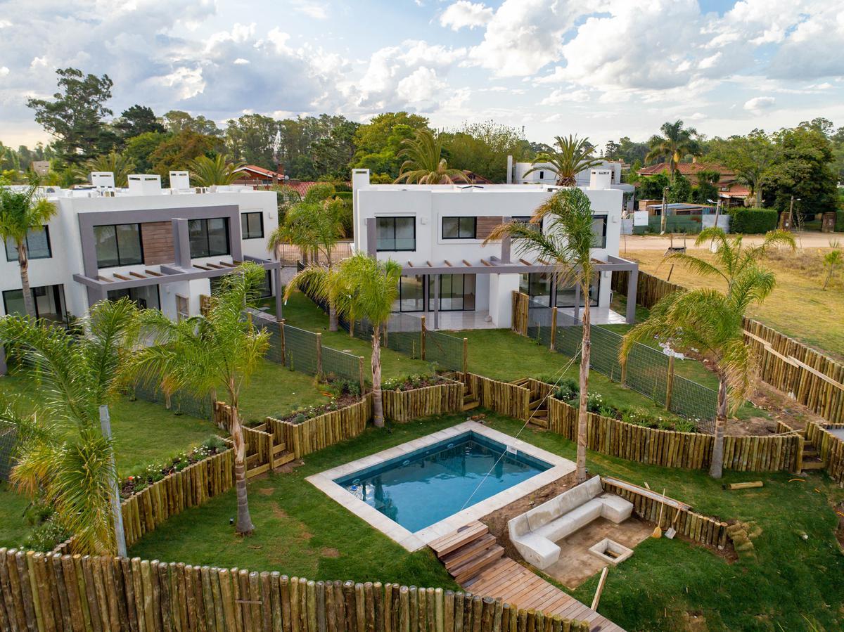 Foto Casa en Alquiler en  Parque Miramar ,  Canelones  LA BAHIA 100