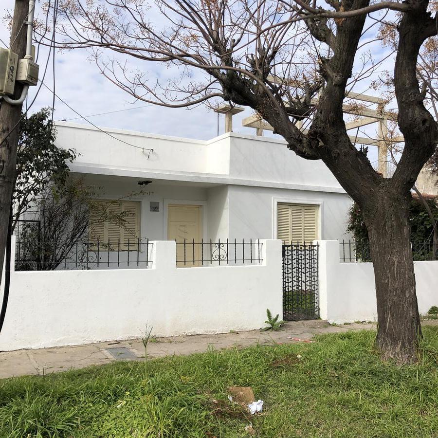 Foto Casa en Venta en  Quilmes Oeste,  Quilmes  Liniers al 1854 e/ calle 388 y calle 389